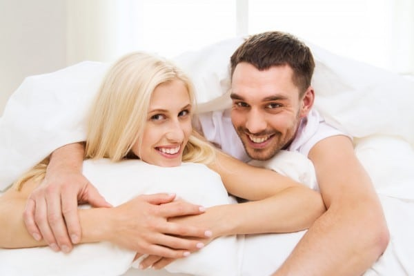 happy-couple-with-kamagra